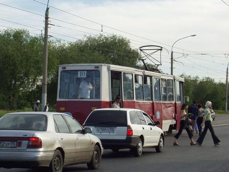 "Остановка ""Проспект Комарова"""
