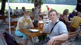 Что может быть лучше, чем выдуть парочку-тройку таких кружечек доброго баварского пивка ?