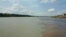 Два цвета речной воды