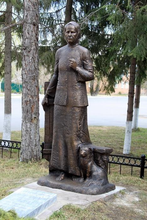 Памятник Солдатской Матери в р.п. Саргатское