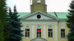 На здании реставрировали башню