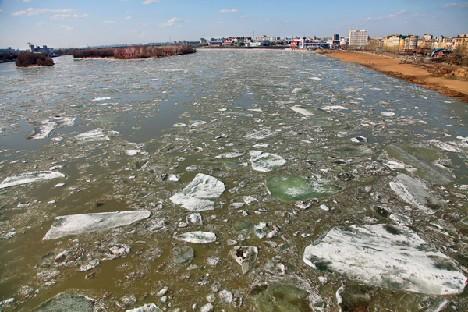 На Иртыше ледоход