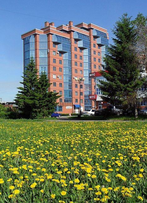 Бульвар Мартынова в цвету