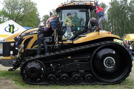 Любимый трактор омских детей