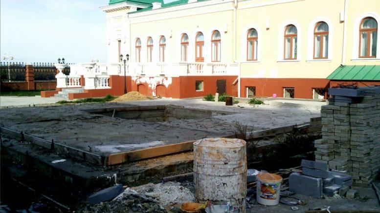 Фундамент памятника Колчаку в Омске
