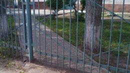 Типичный омский забор