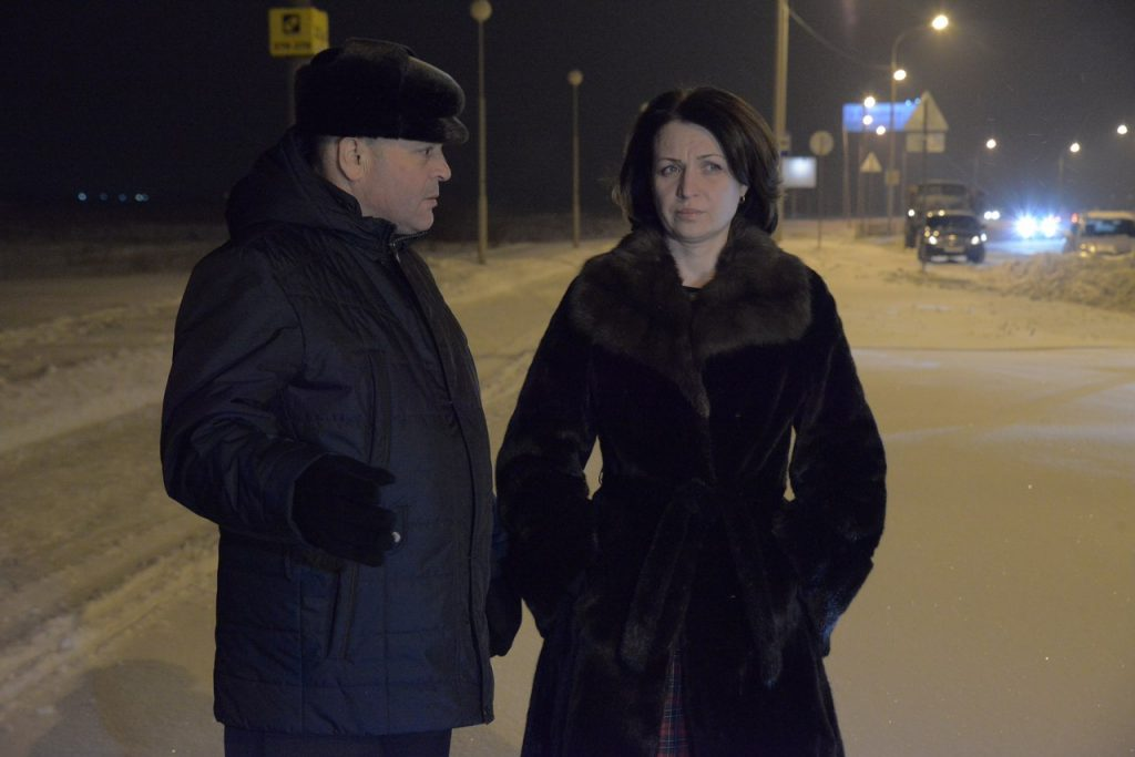 Мэр Омска Оксана Фадина контролирует уборку снега