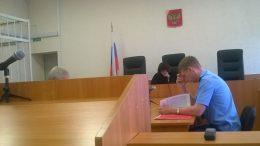 Процесс в Куйбышевском «суде» Омска по жалобе на возбуждение уголовного дела против правозащитника Виктора Корба