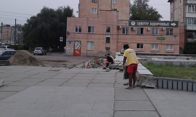 Ремонт площади Лицкевича