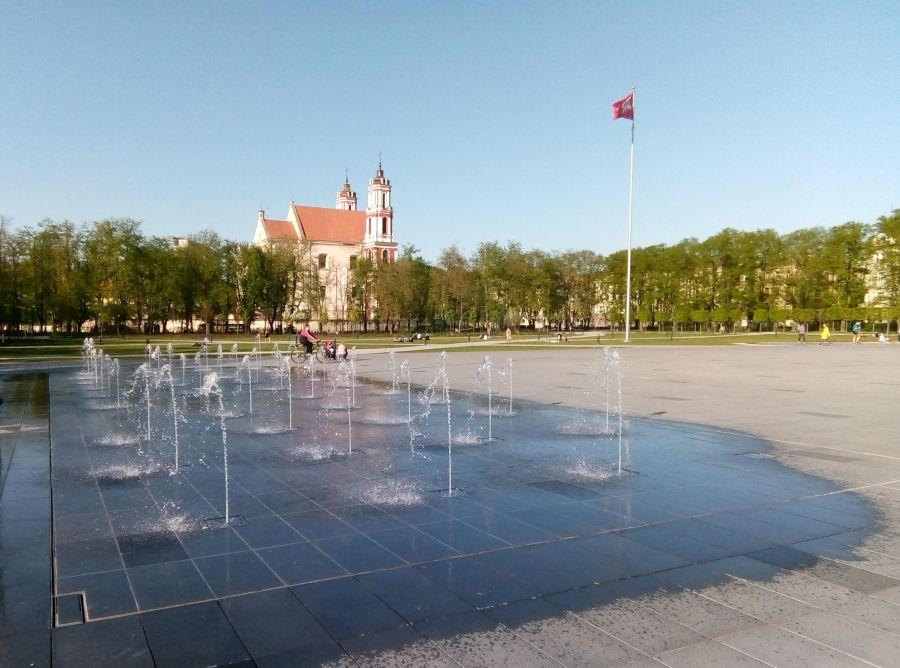 Современный вид Лукишской площади Вильнюса © Виктор Корб, 2019
