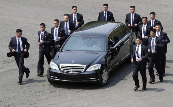 лимузин Ким Чен Ына