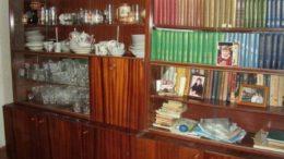 Книги в советской квартире