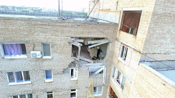 разрушенная квартира в многоэтажке